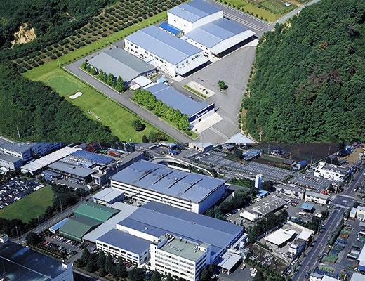 徹底管理された世界の生産拠点である埼玉工場・三春工場